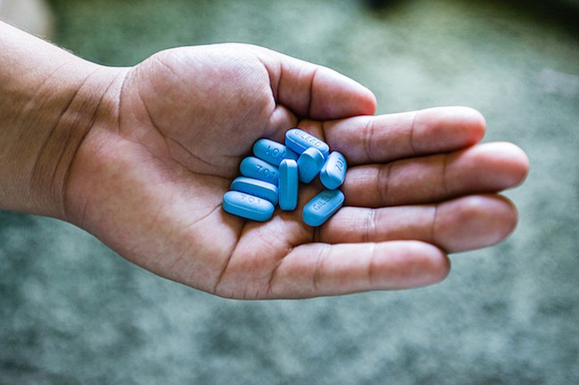 Aumenta el uso de una droga que previene el VIH, pero no entre latinos