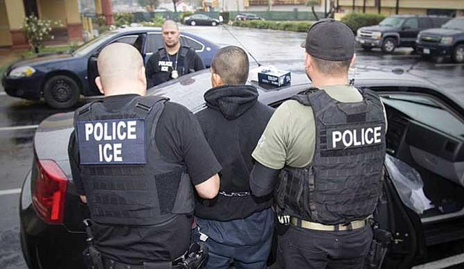 Qué hacer si eres indocumentado y te arrestan
