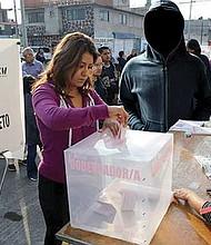 CON DESCARO. En todo el país, diversos candidatos habrían recibido presiones del crimen organizado.