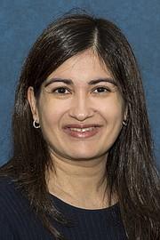 La doctora Reshma Jagsi, directora del Centro de Bioética y Ciencias Sociales en Medicina de la Universidad de Michigan, realizó una encuesta que halló que el 30% de las médicas reportó acoso sexual en el trabajo en los últimos dos años.
