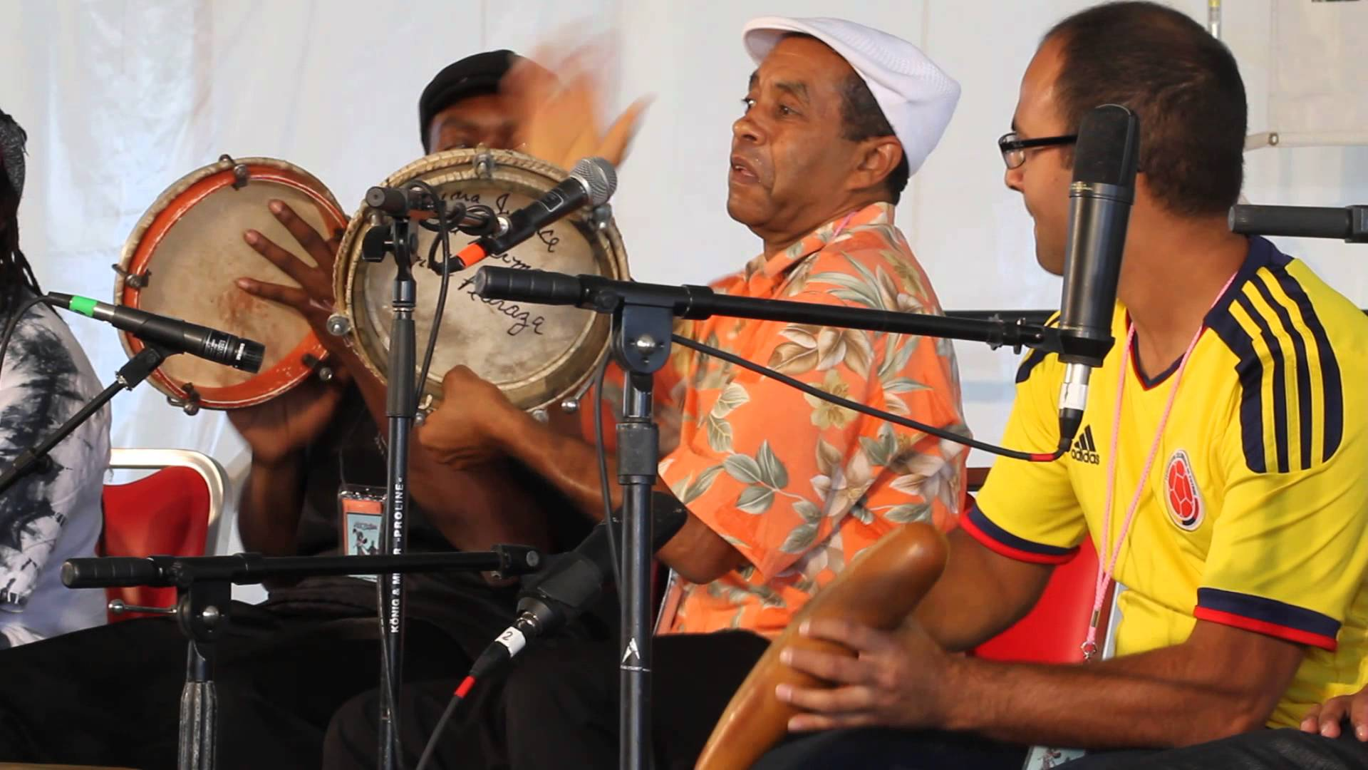 Jorge Arce, músico boricua radicado en Nueva Inglaterra, interpreta ritmos tradicionales puertorriqueños