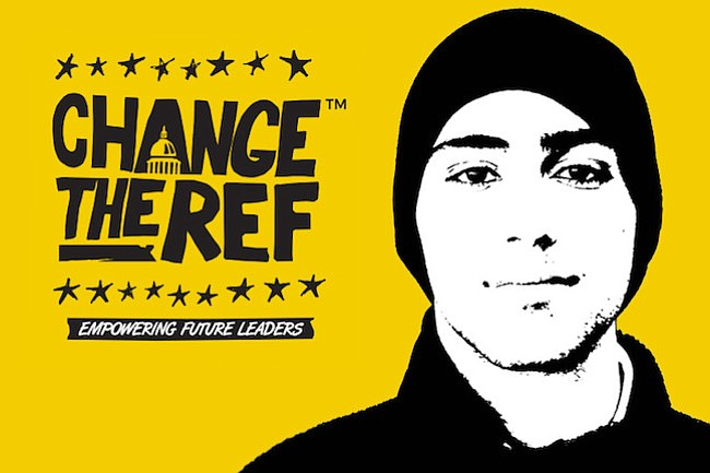 CAMBIO. En esta imagen de la organización sin fines de lucro Change the Ref aparece el rostro de Joaquín. Change The Ref, promueve que si el que toma las decisiones, no funciona, hay que cambiarlo.