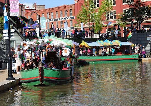 Un paseo por bote a través de los canales de Richmond al estilo Xochimilco está programado para la actividad