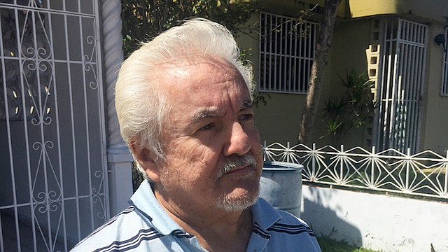 Ausberto Maldonado volvió a Puerto Rico hace una década para cuidar a su madre enferma, luego de una vida como trabajador agrícola en los Estados Unidos continental. El dinero que recibe del Seguro Social no le alcanza para comparar alimentos para todo el mes. Y la ayuda por el huracán está terminando.