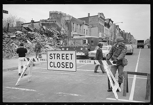Hubo muchos disturbios en 1968. En abril, hubo disturbios en Washington, DC, y los edificios fueron destruidos después de que el reverendo Martin Luther King Jr. fuera asesinado.