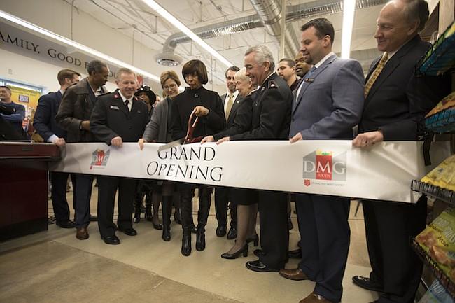 Salvation Army inaugura su primera tienda de alimentos del país en Baltimore, Maryland