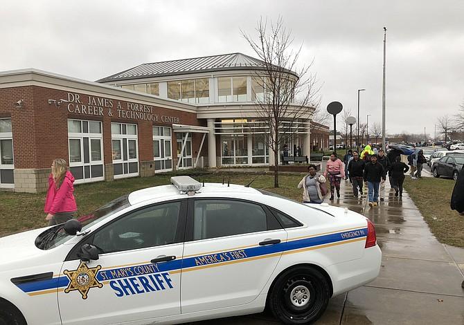 El Senado de Maryland aprueba ley que requeriría que cada escuela tenga un vigilante o cobertura policial