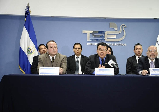 TSE de El Salvador prohíbe propaganda electoral anticipada