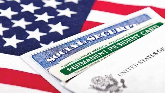 Pierdes tu 'green card' si no presentas tu declaración de impuestos