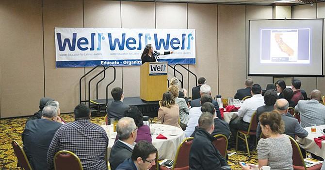 La Doctora Mindy Romero, Fundadora y Directora del Programa de Participación Cívica de UC Davis California, presenta la sesión de almuerzo de la conferencia WELL.. Foto-Cortesía.