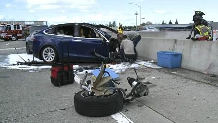 Autoridades federales expulsan a Tesla de investigación de accidente