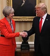 Los líderes de EEUU y Reino Unido están de acuerdo en responder al atque químico