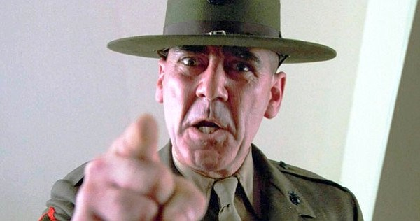 R. Lee Emery en su papel de terrible sargento en Full Metal Jacket
