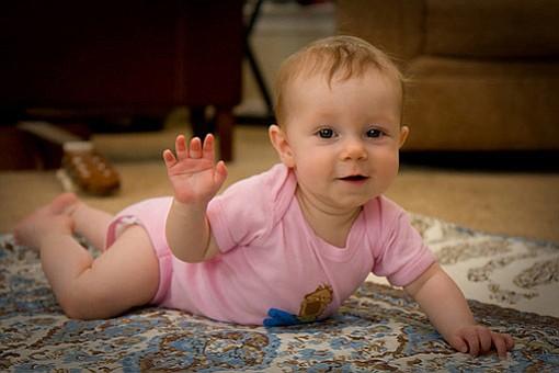 Bebés de 6 meses son capaces de reconocer voces y caras felices