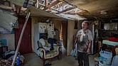 Miguel es el dueño de esta vivienda en la que aún vive a pesar del daño causado por los huracanes. Él está tratando de arreglar lo que pueda y rescatar algunas cosas pero aspira a mudarse a un lugar seguro en cuanto pueda. Él invitó a Keiko a su casa y le contó su historia para que sea compartida.