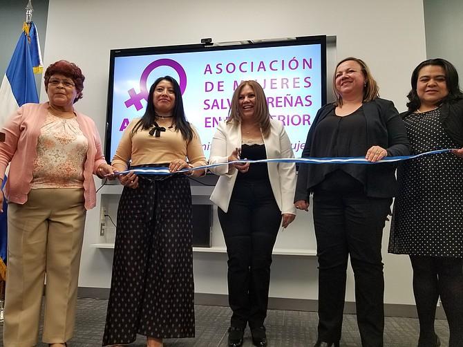 La embajada de El Salvador fue la sede donde se inauguró la asociación