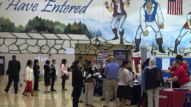 EMPLEOS. La feria de empleos presenta más de 50 empleadores de diversas industrias el sábado 21 de abril de 10 am a 12 pm en el Centro Recreativo y Comunitario Claude Moore. CREDITO: Cortesía