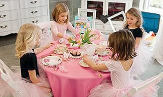 Tomar el té con princesas y hadas