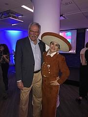 Paul S. Grogan, Presidente de The Boston Foundation, y Verónica Robles