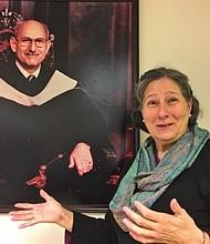 HIJA. Rosemary Lado, una de los diez hijos del fundador, Robert Lado.
