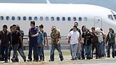 USCIS. Una tercera parte de los deportados son delincuentes convictos.