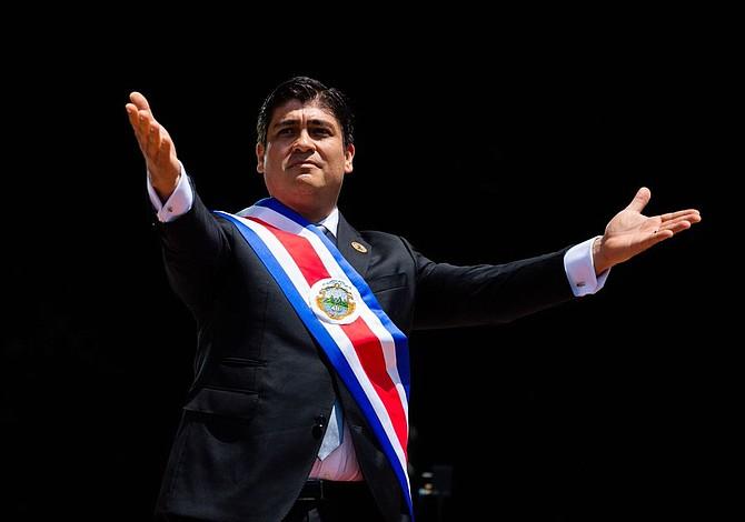 Carlos Alvarado se juramentó como presidente de Costa Rica