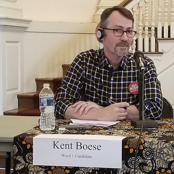 """Kent Boese Candidato por el distrito 1 """"Mi posición es extender los privilegios de votación a los no residentes""""."""