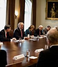 """MUNDO. """"Parece que están en buenas condiciones"""", informó Trump."""