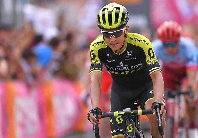 Esteban Chaves ganó la primera etapa de montaña del Giro de Italia