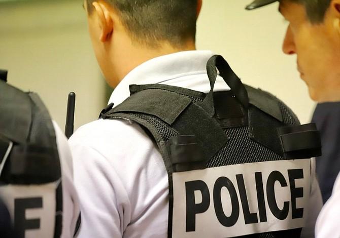Un muerto y cuatro heridos dejó ataque con cuchillo en París
