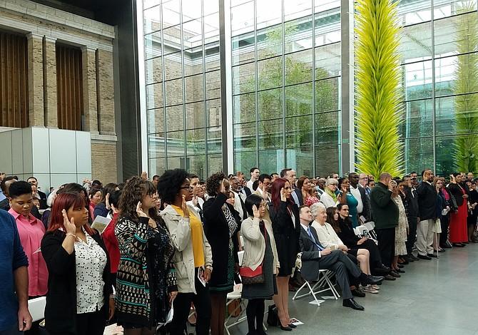 187 inmigrantes se hicieron ciudadanos en una ceremonia en el MFA por primera vez