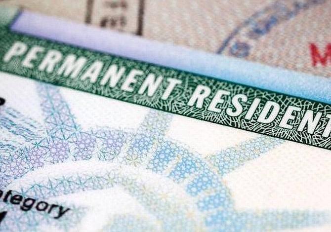 "Pedirán devolución de cientos de ""green cards"" recientemente emitidas"