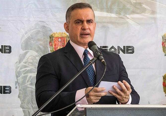"""Fiscal venezolano dice que hay 34 implicados en el """"atentado"""" contra Maduro"""