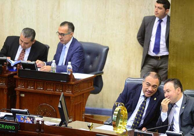 Diputados salvadoreños inflaron presupuesto para más plazas en Asamblea Legislativa