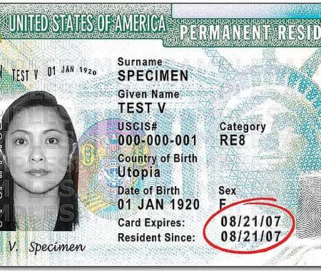 NO HAY PROBLEMA. Este retiro de tarjetas no afecta el estatus de residente permanente legal de los receptores de la 'green card'.