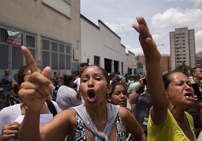 Activista venezolano Gabriel Valles confirma el traslado de 220 presos comunes de El Helicoide