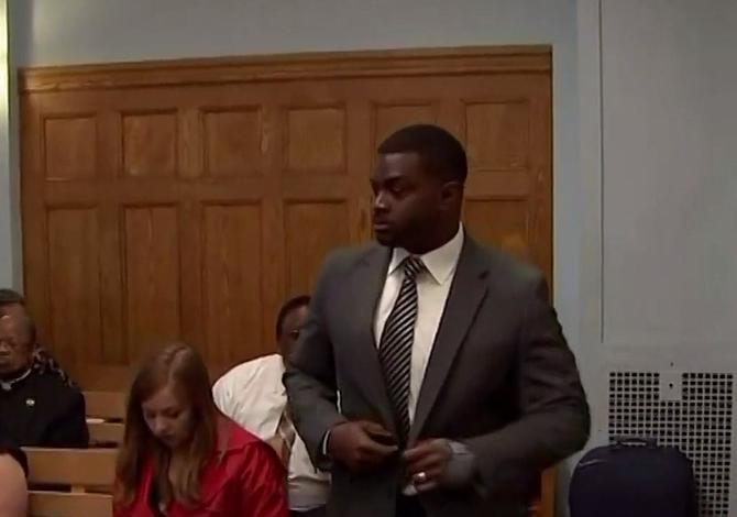 Maestro de East Boston acusado de agresión indecente a cuatro niñas