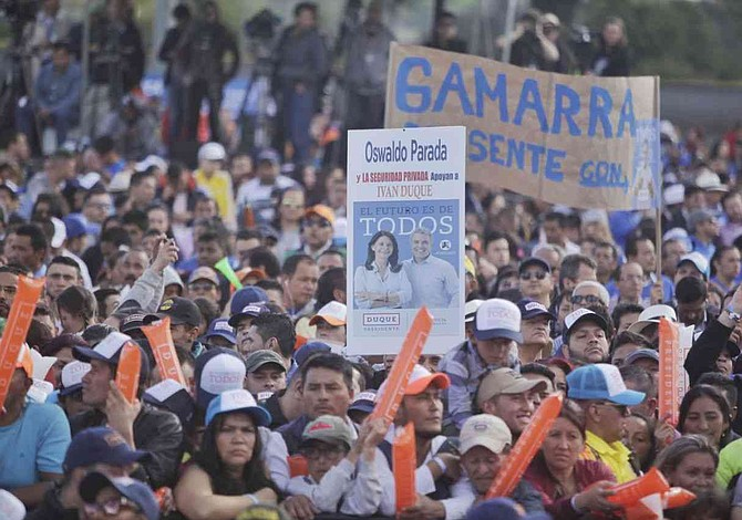 Candidatos colombianos a las presidenciales cierran hoy campaña electoral