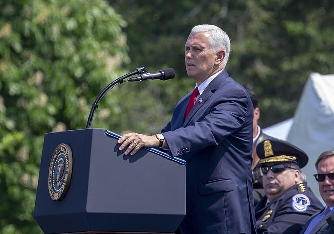 Pence: EE.UU. se levanta contra la dictadura, vienen más acciones contra el gobierno de Venezuela