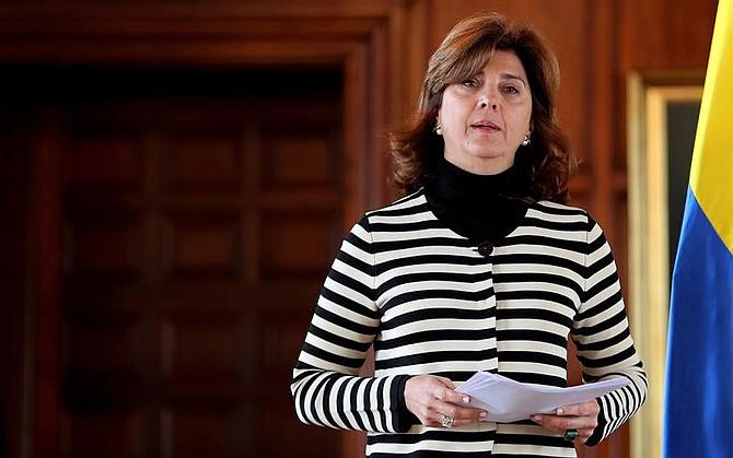 MUNDO. La canciller de Colombia, María Ángela Holguín, ofrece una rueda de prensa.