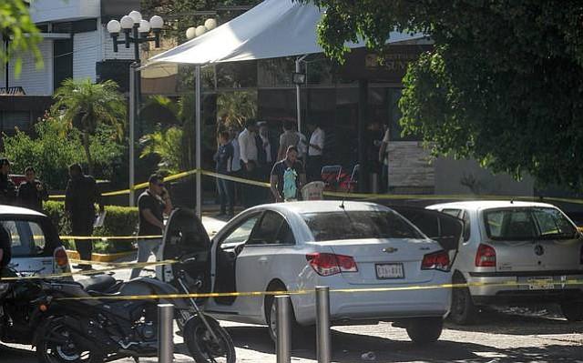 ATACADO. El secretario de Trabajo del estado Jalisco resultó herido en su mano