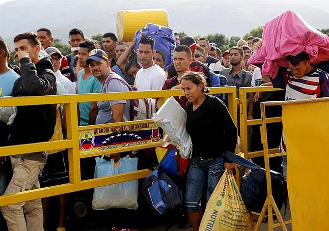 VIDEO | Venezolanos retornan al país tras ser expulsados de Paracaima