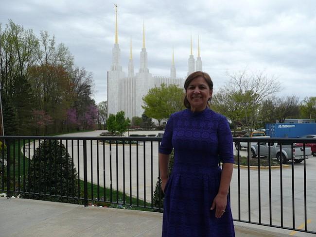 El templo de Iglesia de Jesucristo de los Santos de los Últimos Días fue abierto en 1974, tiene 88 metros de altura y es el más grande de los santuarios mormones en el mundo.
