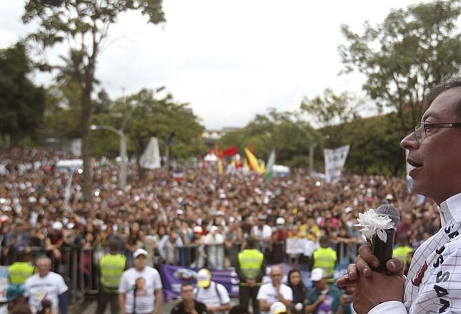 ¿Gustavo Petro podrá romper con la tradición política de Colombia?