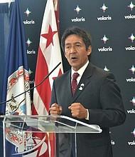 BENEFICIO. Walter Tejada, miembro de la Junta Directiva de la Autoridad de Aeropuertos, aseguró que Volaris estimulará la competencia y eso beneficiará a la comunidad con mejores tarifas de vuelos.
