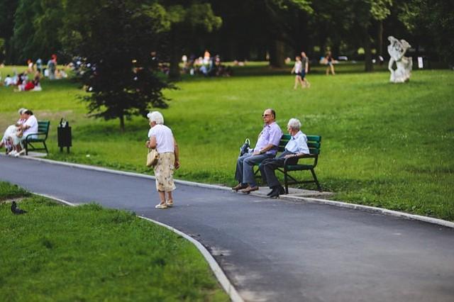 Nueva tendencia: las parejas de adultos mayores que viven separadas