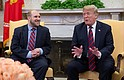 EEUU - United States President Donald J. Trump (R) speaks with Joshua Holt (L) after his return to the USA at The White House in Washington, DC, USA, 26 May 2018. Joshua Holt was released from prison in Venezuela following sustained diplomatic efforts by the Obama and Trump administrations. Holt had been detained in Venezuela since 2016.