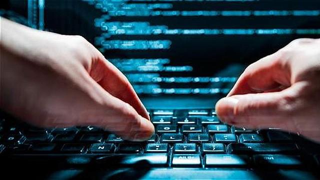 FBI. Cisco recomendó a los usuarios que tienen algunos de estos routers comunicarse con el fabricante