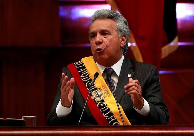Presidente de Ecuador sobre crisis en Venezuela: Me opongo a que la gente se enamore del poder