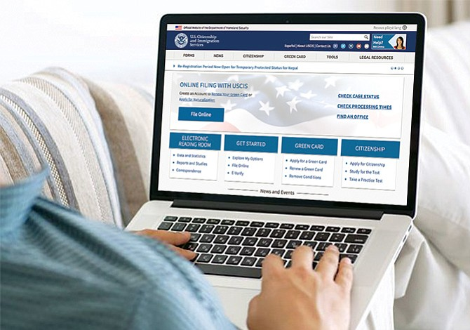 USCIS facilita trámites en línea